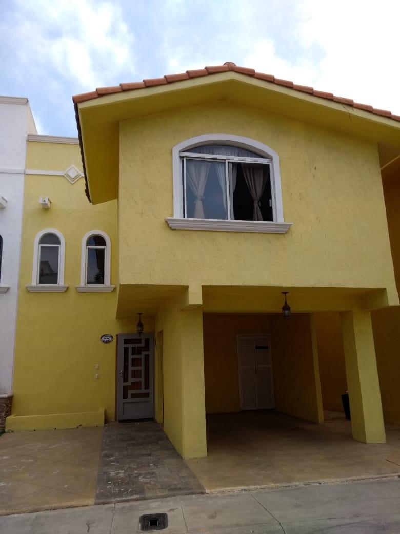 Casa en Venta, Fraccionamiento La Isla; Tijuana, B.C.